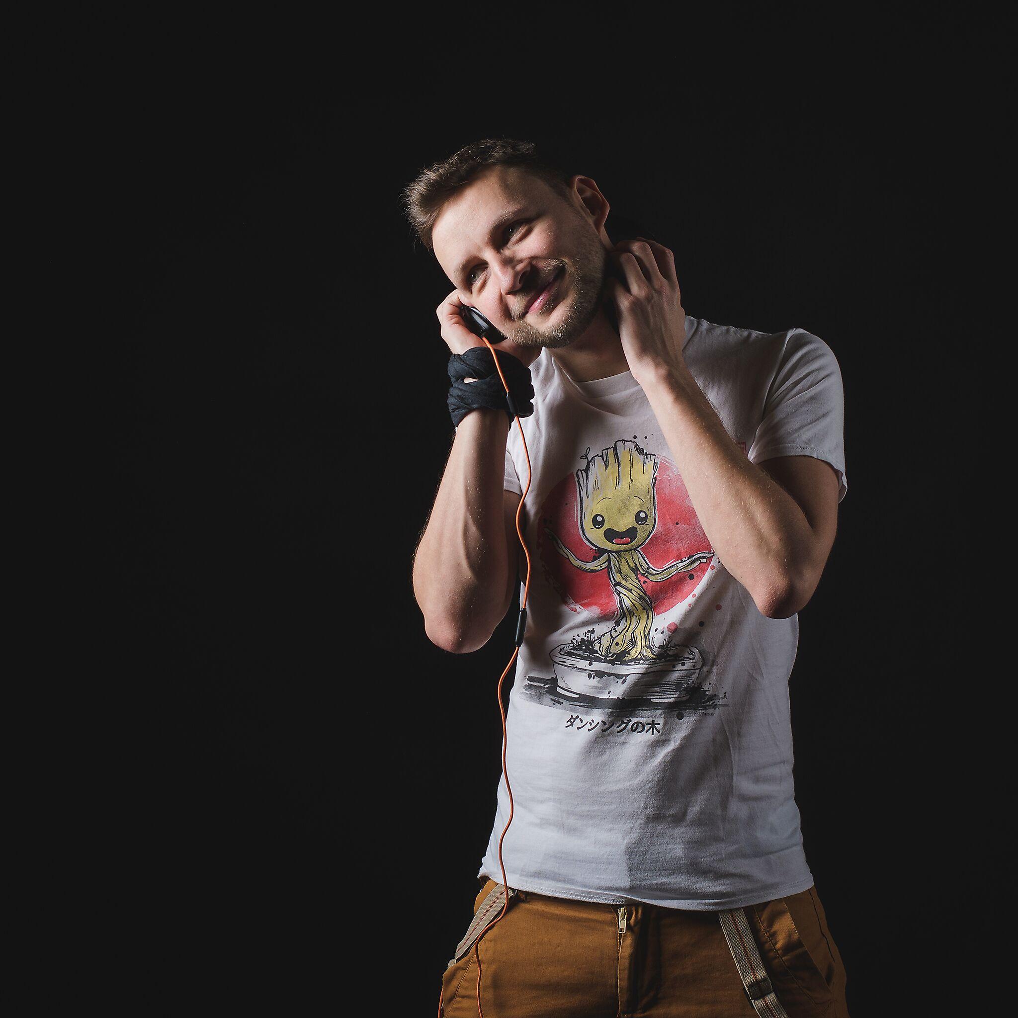 DJ Avik